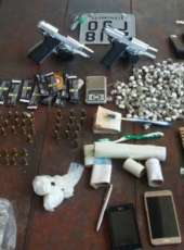 Homem com diversas passagens pela polícia é preso com duas armas de fogo na AIS 8