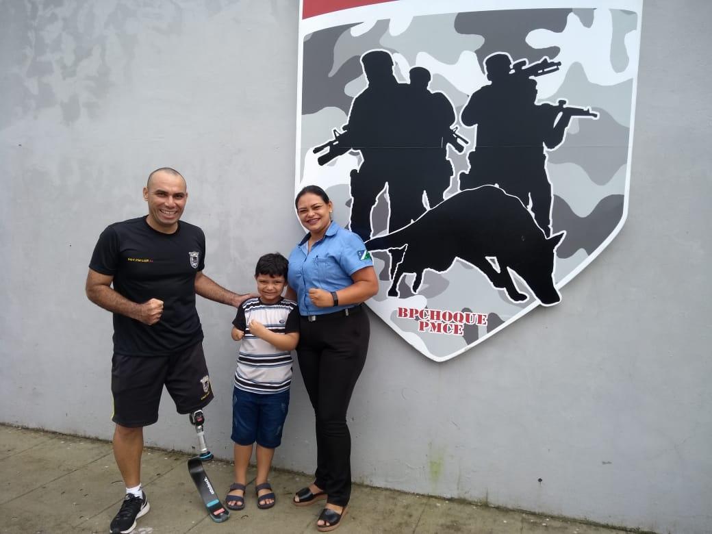 CPCÃES recebe visita de criança com necessidades especiais