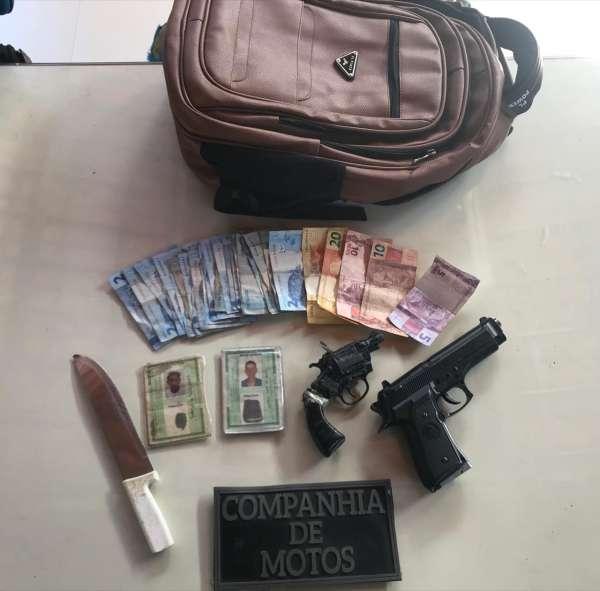 CPRaio da PMCE captura sete suspeitos de roubo e apreendem simulacros e recuperam um carro roubado