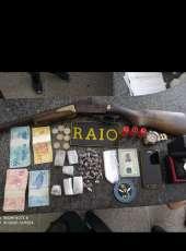 Suspeito é preso com uma espingarda e drogas em Iguatu-CE