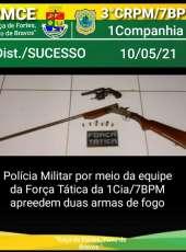 Após denúncias, PMCE apreende espingarda e revólver e prende homem por posse ilegal de arma em Tamboril-CE