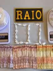 Suspeita de tráfico de drogas é presa pela PMCE em Acaraú-CE
