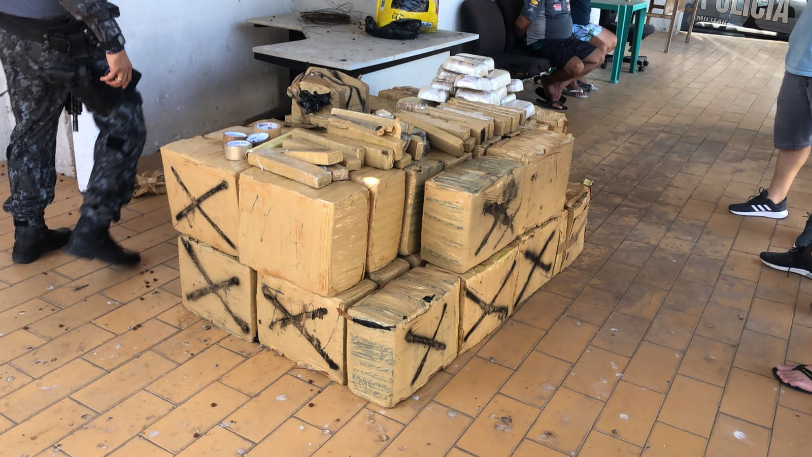 PMCE apreende quase 800kg de drogas no bairro Parangaba