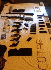 Diversas armas de fogo, drogas e munições são apreendidas pela Polícia Militar durante o fim de semana no Ceará