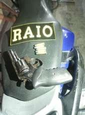 Abordagem da PMCE resulta em suspeitos detidos com arma de fogo em motocicleta na Capital